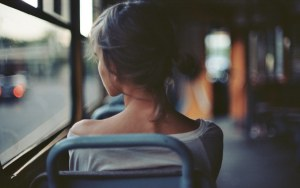 girl-bus-photography-wallpaper-1920x1200